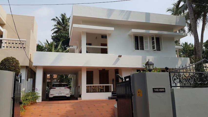fully furnished 3 bedroom home - Thiruvananthapuram - Huis