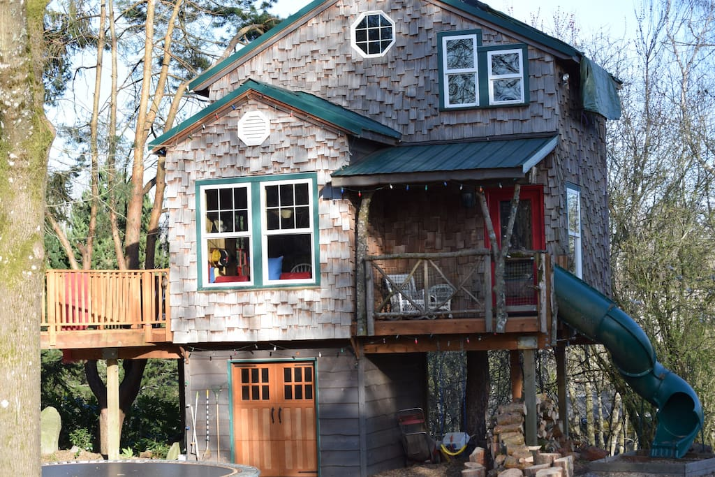 A House With Trees In Sw Portland Treehouses For Rent