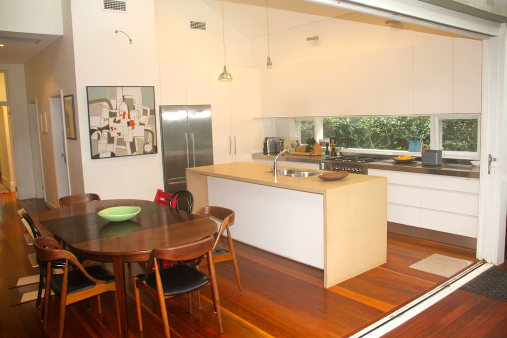 Open kitchen for cooking and chats. Wusthof knives, coffee makers of all kinds, smeg 6 burner stove and oven.  Separate walk-in laundry with washer and dryer.