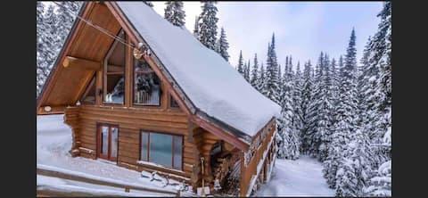 LOOR-U-INN 7 Bedroom/Luxury cedar Log Home+Hot tub