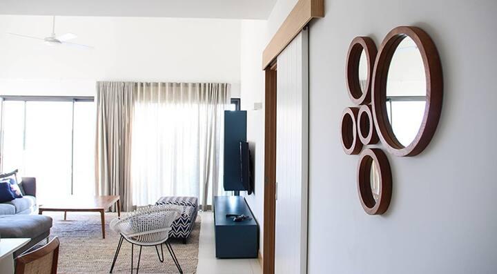Latitude Beachfront Complex : 3 Bedroom Penthouse