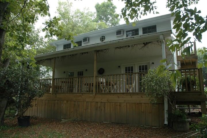 Linnaea Gardens Guest House Unit #4