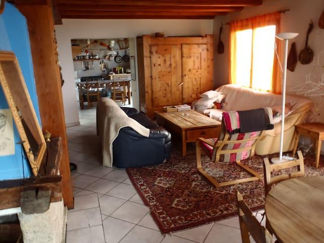 Superbe maison familiale spacieuse - Aiguilles - Hus