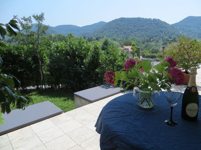 Peaceful getaway in the Asolo hills - Monfumo - Stadswoning