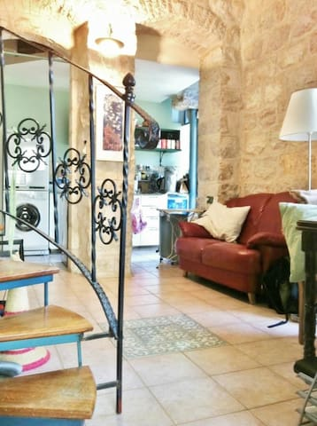 Charming quiet Loft, Historic Bldg - Gerusalemme - Loft