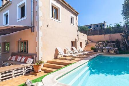 Villa with pool in Valldemossa