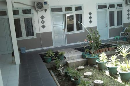 Cozy and tiny room in the city - Cilacap - Bed & Breakfast