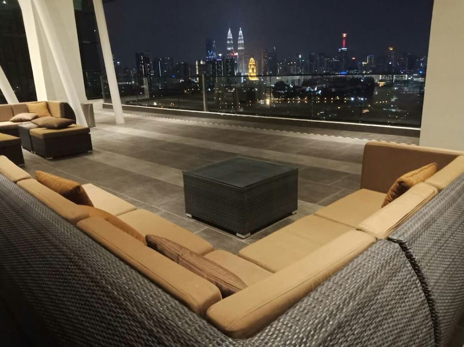 viewing deck at level 19