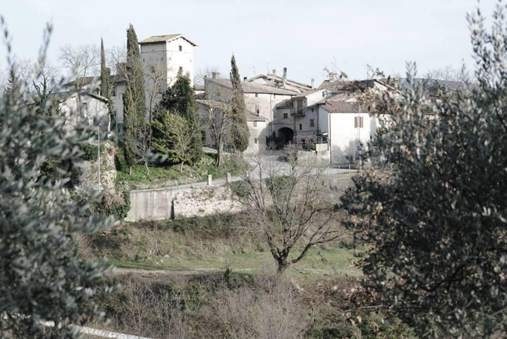 the hamlet. Il borgo di Messenano