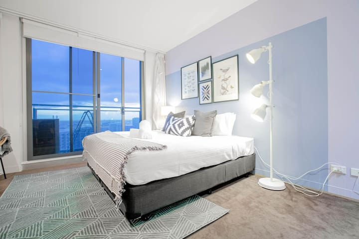 Admire Views from a Stylish Apartment 2903