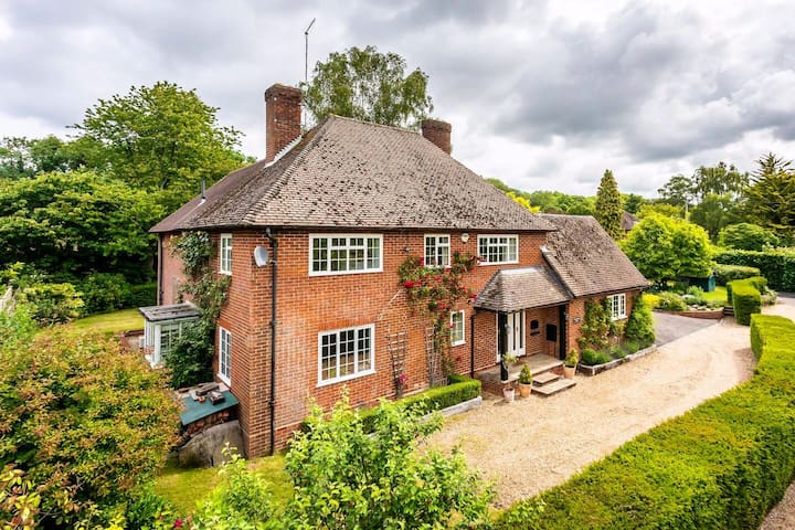 5 bedroom house in the Itchen Valley