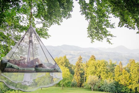 Sleeping on tree in touch of nature - Slivna - Cabana en un arbre