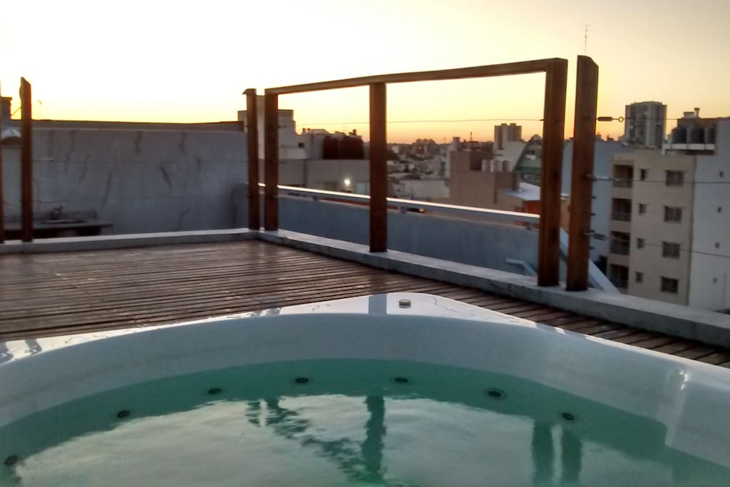 Jacuzzi in the top roof.