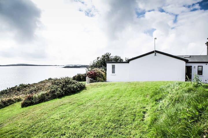Seaside home with own pier! - Schull - Dům