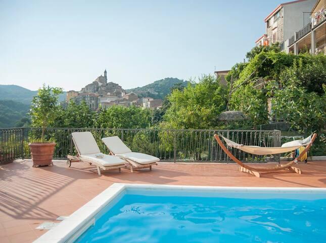 Villa Vibrante - 10 Guests