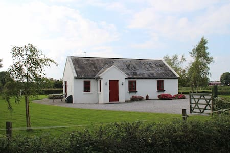 Fuchsia Lane Farm Lodge Cottage - North Tipperary