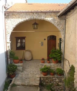 Romantisches Haus - Torria