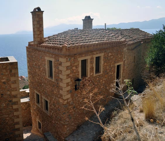 """Kyklamino"" House, Monemvasia"