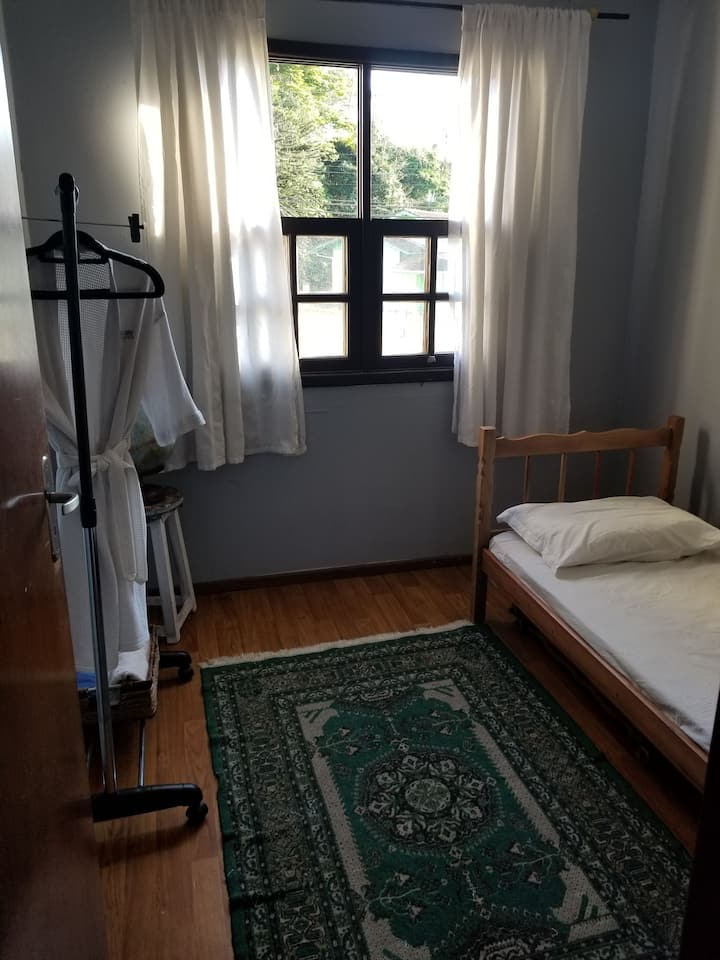 cheap monthly single room