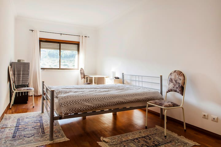 Spacious Double Room With a View - Vila Franca de Xira - Pis