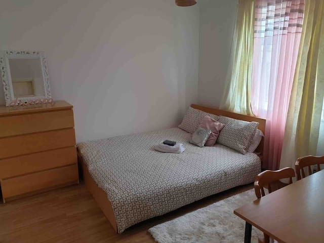 Comfy Room in London near Canary Wharf (5), Tube