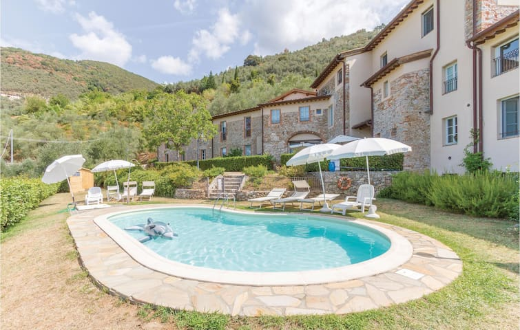 Holiday cottage with 2 bedrooms on 85m² in Camaiore