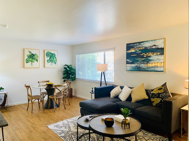 Open, Airy Upstairs 1 Bedroom- Downtown San Carlos