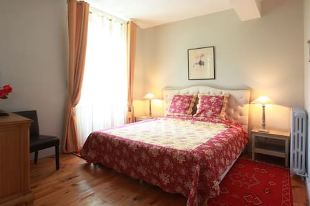 Chateau la Prade - Bed & Breakfast