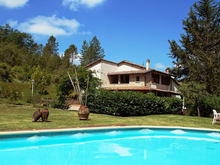 Beautiful farmouse with pool
