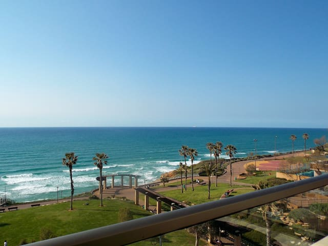 Familial Flat on Sea Front - Netanya - Apartment
