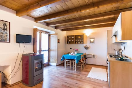 cozy studio apartment in the Alps - Talamona - Huoneisto