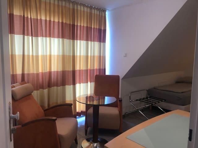 Room am Köln Arena und Messe Köln Room 41