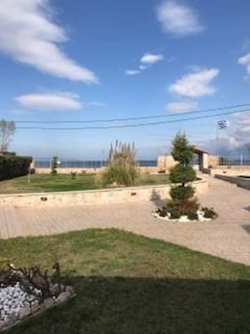 Small Ηouse with fantastic views - Drosia - Apartment