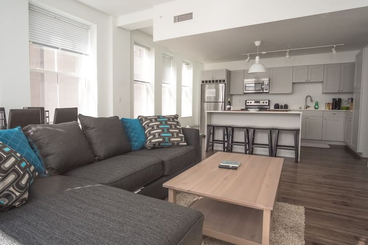 Sleek 2BR Loft | Steps to Riverwalk + Dining