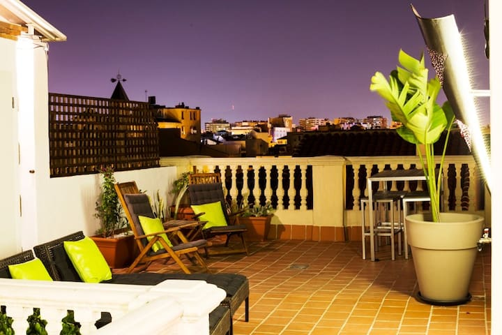 Private terrace in historic center - Málaga - Loft