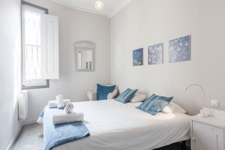 Sunny & Big Room - Best Location Downtown!! - Barcelona - Bed & Breakfast