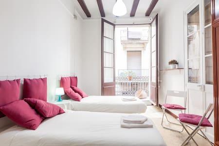 Nice double room with balcony - 巴塞罗那 - 公寓