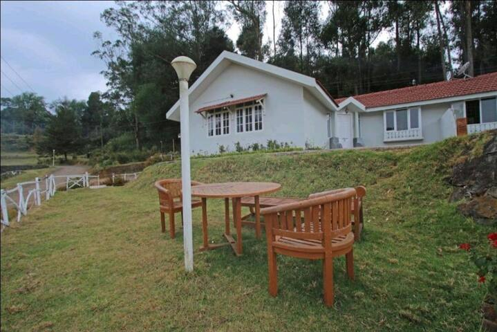 1 bhk resort near Lake, ooty town