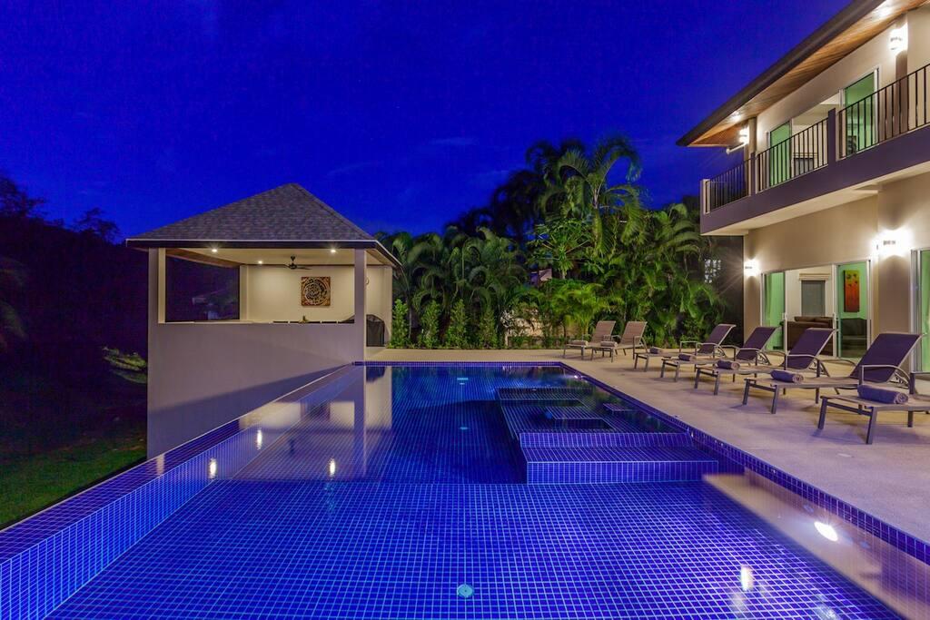 Large 10 x 5 metre swimming pool