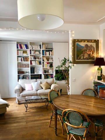 Grand et charmant studio à Neuilly Place du Marché