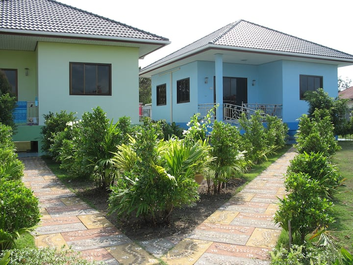 comfortable 4 person private house