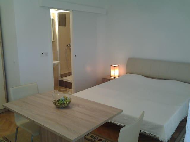 Studio apartment  Stancic 2 Stari Grad