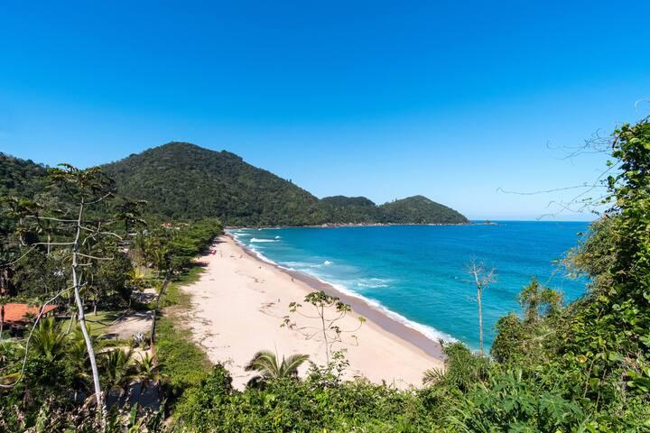 Suíte Tenório (praia vermelha) 50m da praia.
