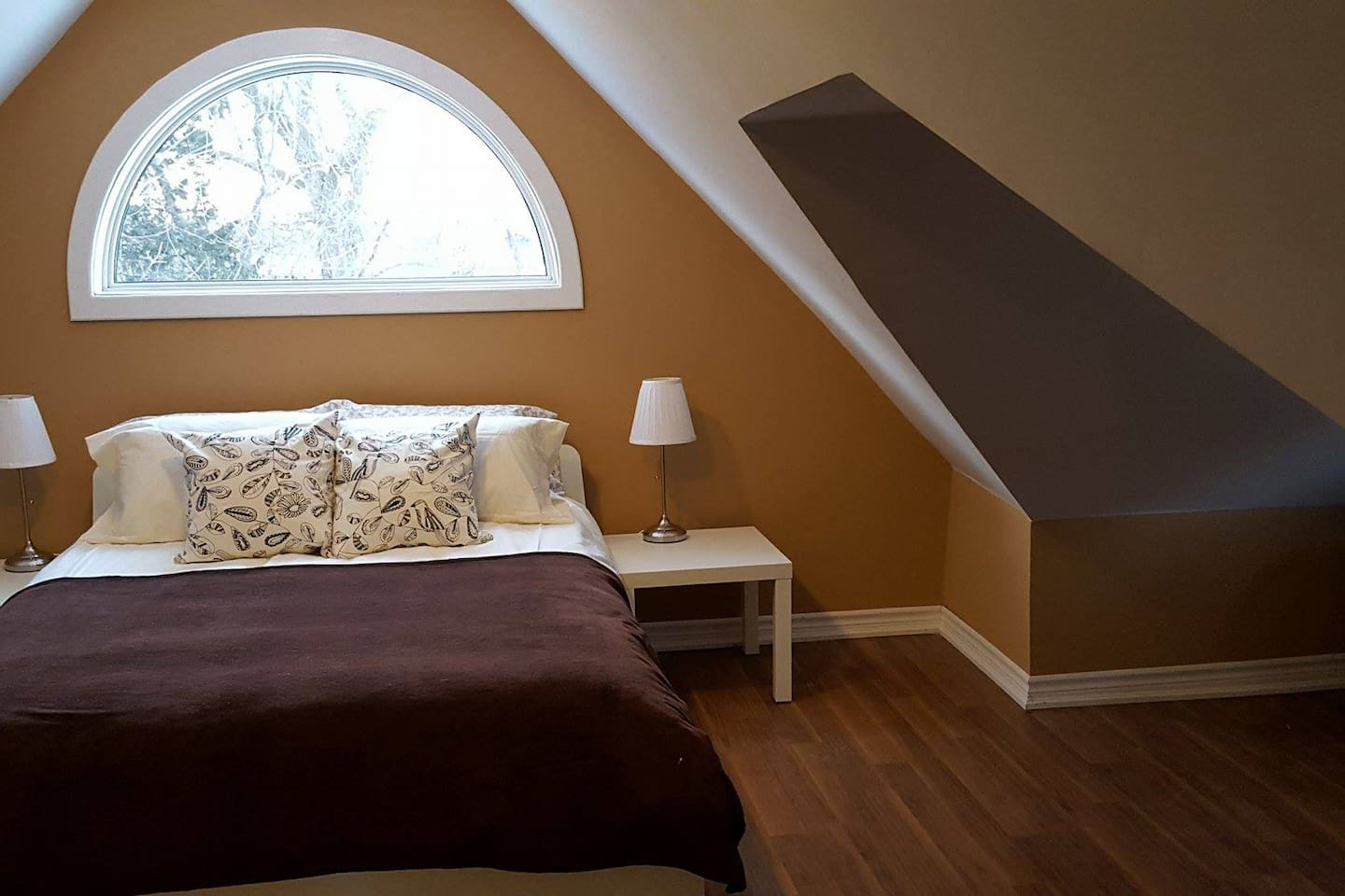 Very spacious room fits up to 4 ppl
