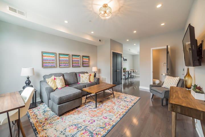 Two bedroom, 2.5 bathroom  home in Fairmount