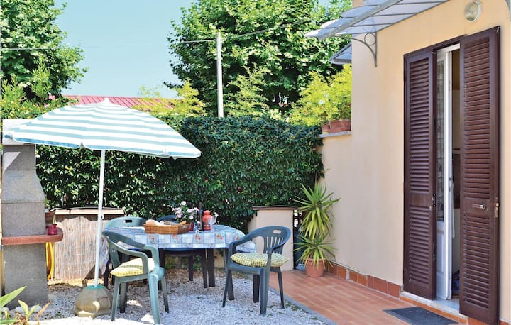 Holiday apartment with 1 bedroom on 50m² in Lido di Camaiore -LU-