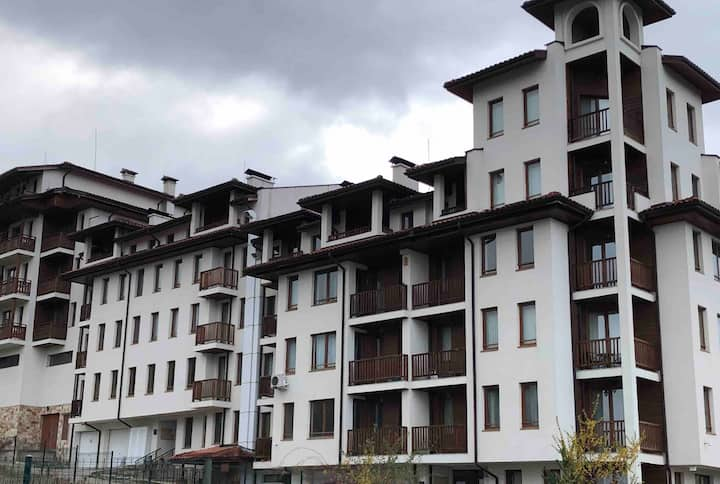 Fab apartment with mountain views -300m from piste