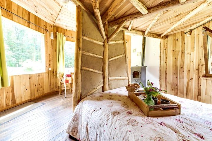 La cabane bois des 3 petits cochons