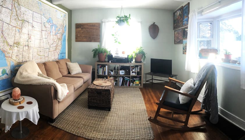Cozy Modern Bungalow - Central in Duluth!