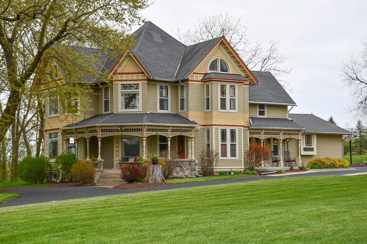 Beautifully Restored Historic Victorian